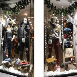 Vitrine Noël Scandinave / Créations des têtes de cerfs en bois. Photos : tous droits réservés : (articles L 335-2 et L 716-9 du CPI)