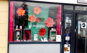 decors de fleurs vitrine a martigues